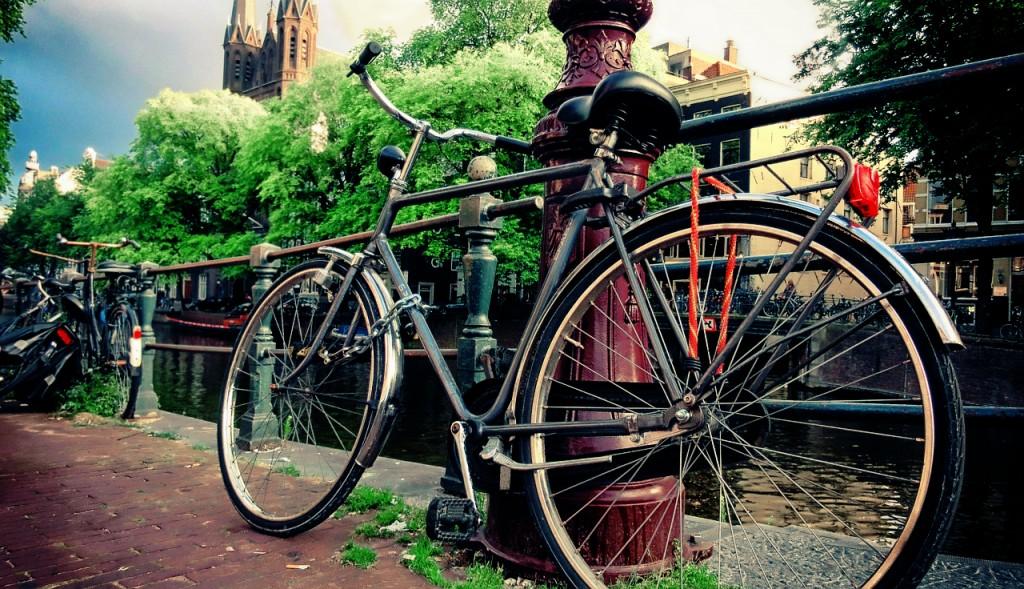 僕が自転車を車(ティーダ)に積む方法「サイクルキャリア・そのまま車載」