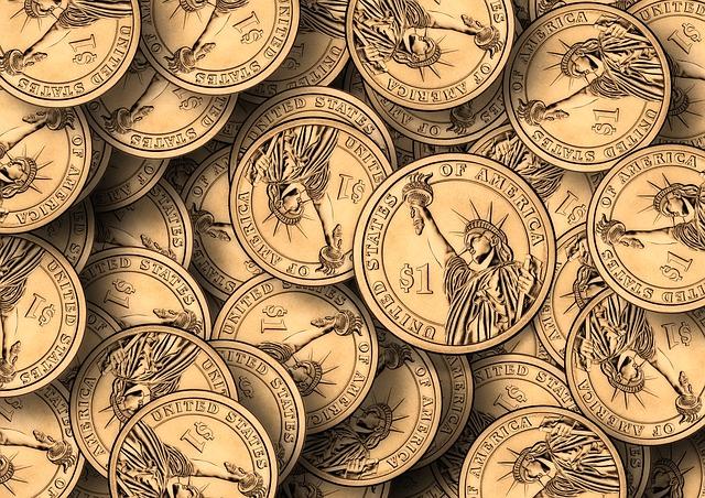 サラリーマンの月の「お小遣い」「ランチ代」「飲み代に使うお金」などの年代別平均金額を調べてみた